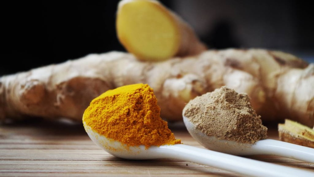 Ginger, turmeric and other natural remedies for psoriatic arthritis.