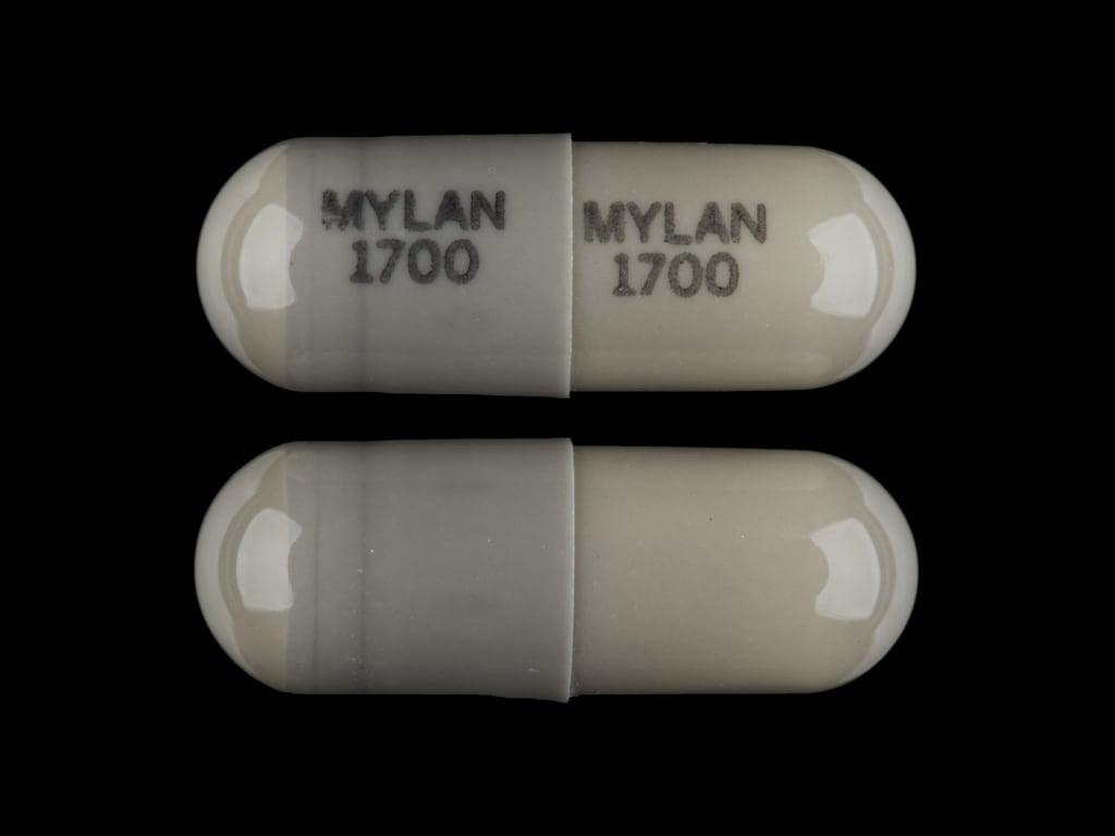 Imprint MYLAN 1700 MYLAN 1700 - nitrofurantoin 100 mg